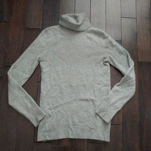 GAP 100% cashmere gray turtleneck sweater